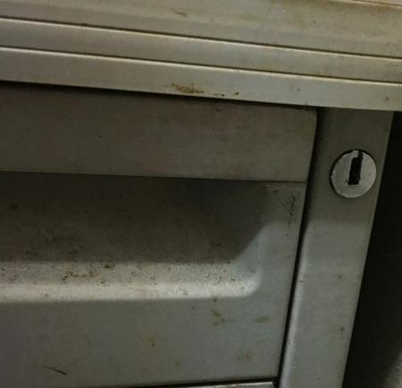 デスク鍵開け.jpg