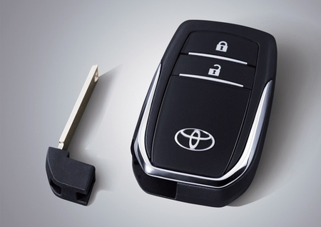Toyota-Innova-Smart-Key.jpg